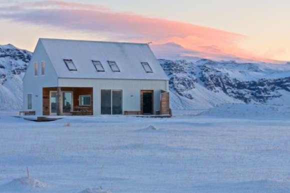 Eyjafjallajokull wilderness cabin in the snow in Iceland