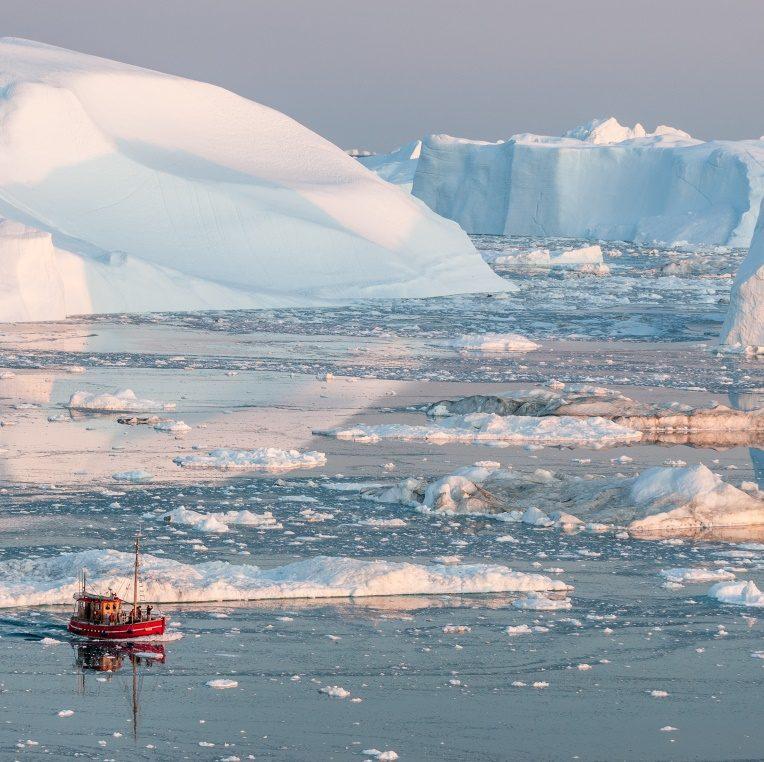 Ultimate Greenland Aurora Adventures