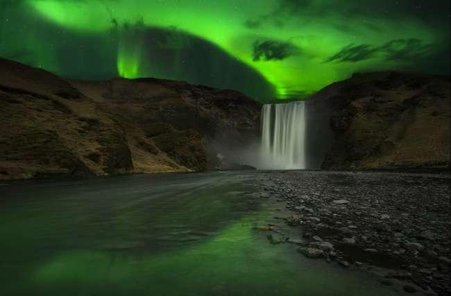 Equinox Northern Lights break in Iceland