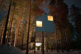 Mirror cube Tree Hotel, Sweden