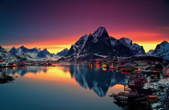 Lapland's Coast to Coast Aurora Adventure