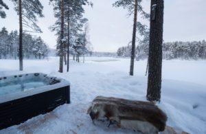 Hot tub at the Arctic Retreat Sweden