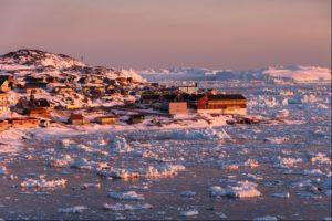 Midnight Sun in Ilulissat in Greenland